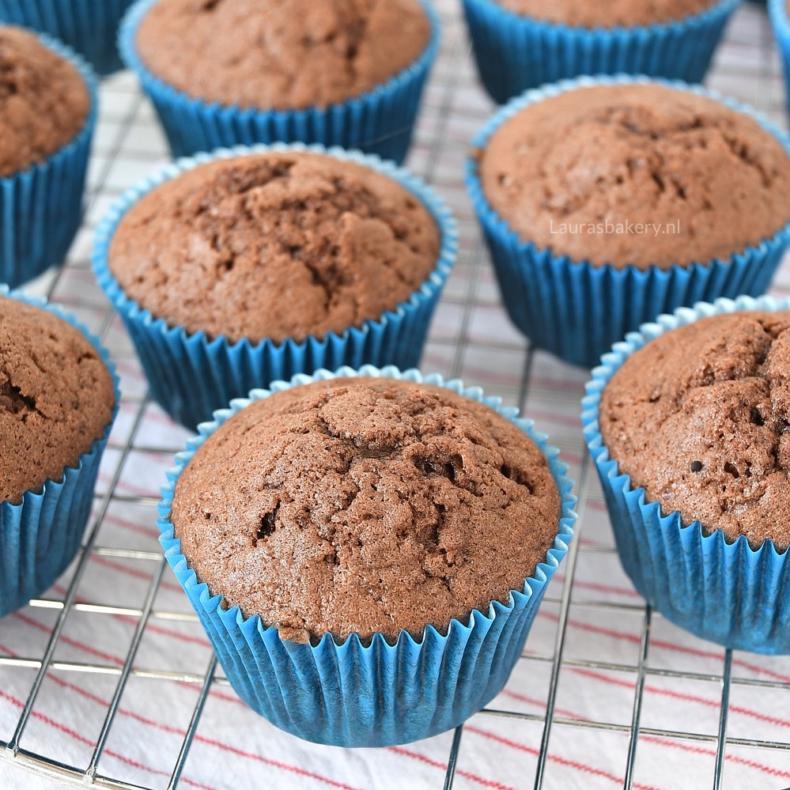 Waarom zakken cupcakes in na het bakken?