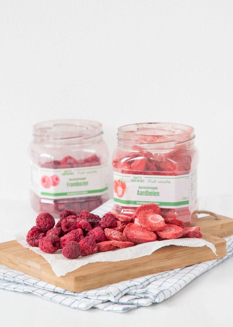 Bakken met gevriesdroogd fruit
