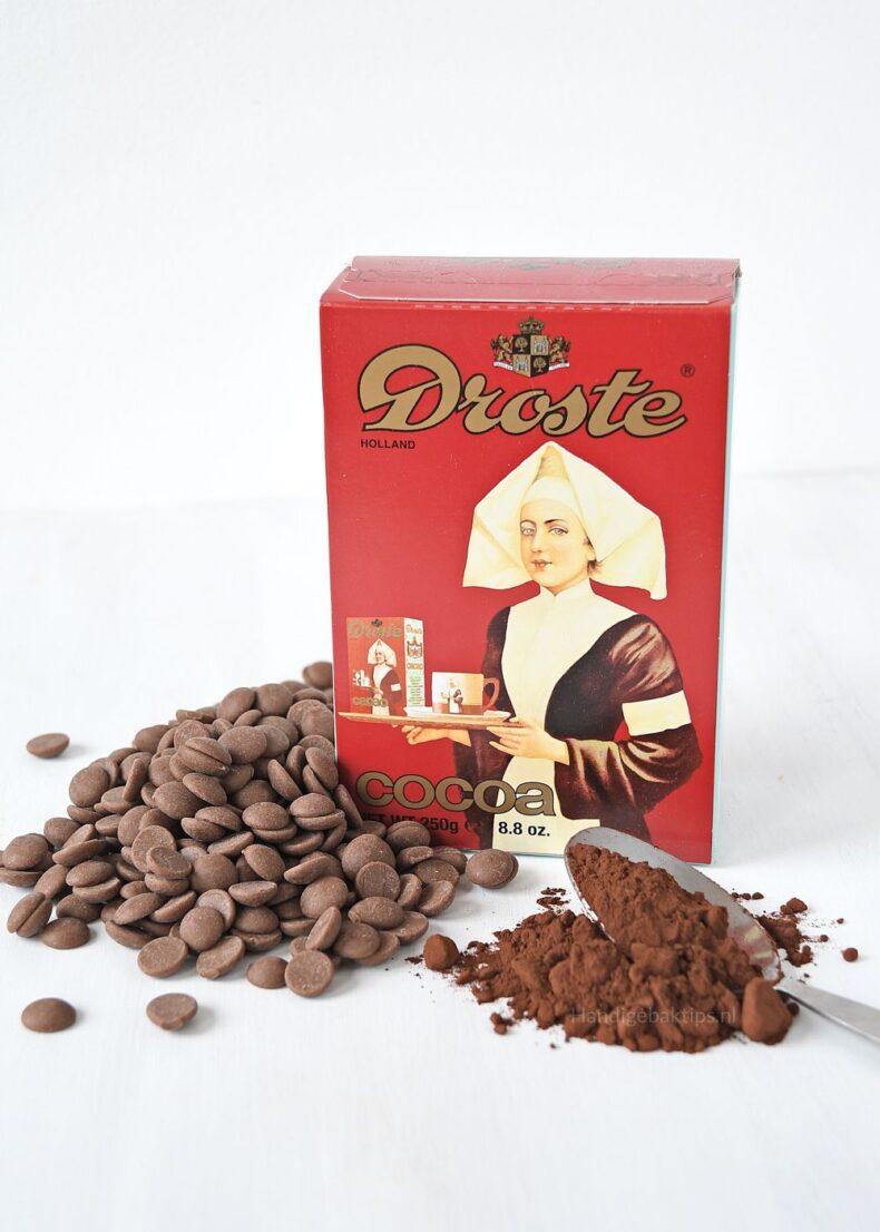 Bakken met chocola of cacaopoeder
