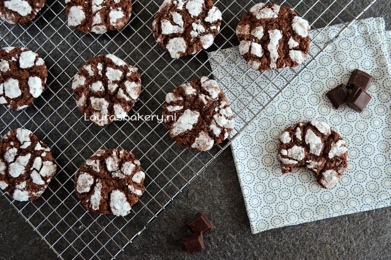 chocolate crinkle cookies 2a
