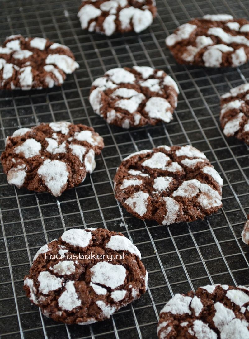 chocolate crinkle cookies 4a