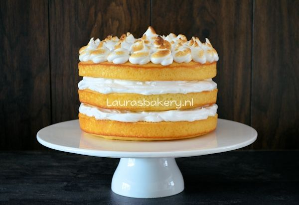 lemon meringue cake 2a