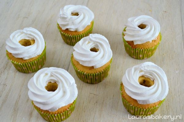 lemon meringue cupcakes 4a