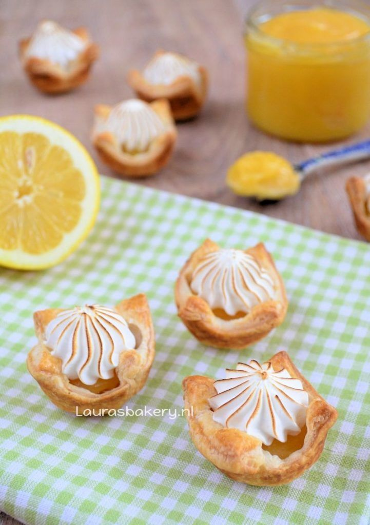 mini lemon meringue pies 1a