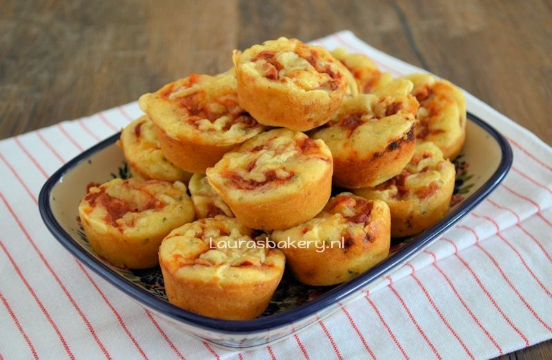 mini pizza muffins 2a