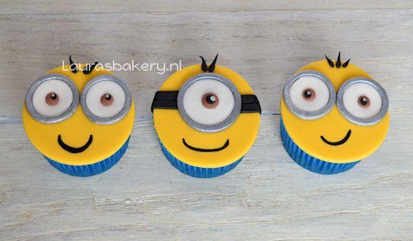 minion cupcakes 2a