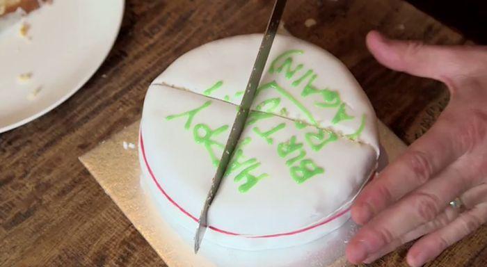 taart aansnijden