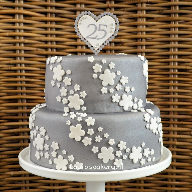 Verbazingwekkend Zilveren taart voor 25 jarig huwelijk - Laura's Bakery OB-11