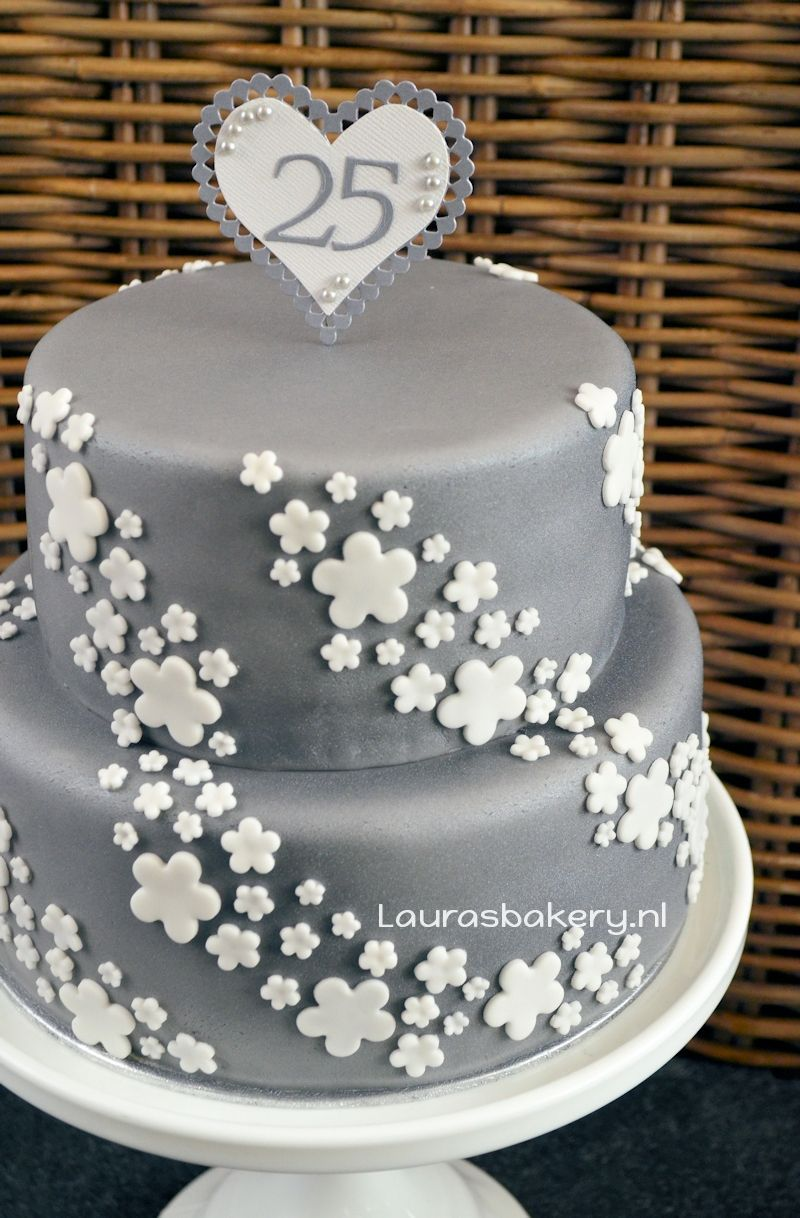 Nieuw Zilveren taart voor 25 jarig huwelijk - Laura's Bakery QK-45