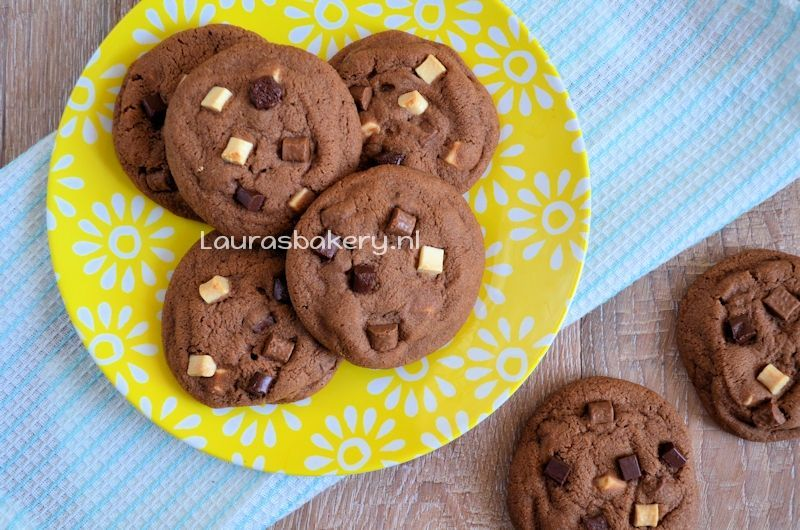 triple chocolate chip cookies 2a