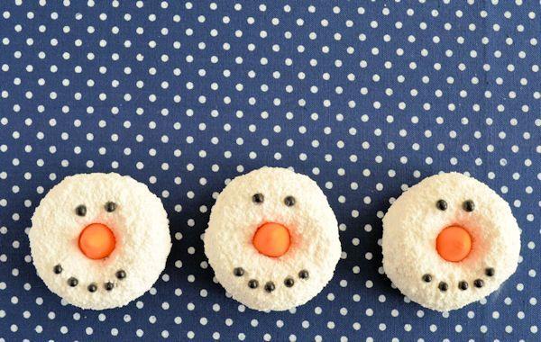 Advent 9: Sneeuwman donuts