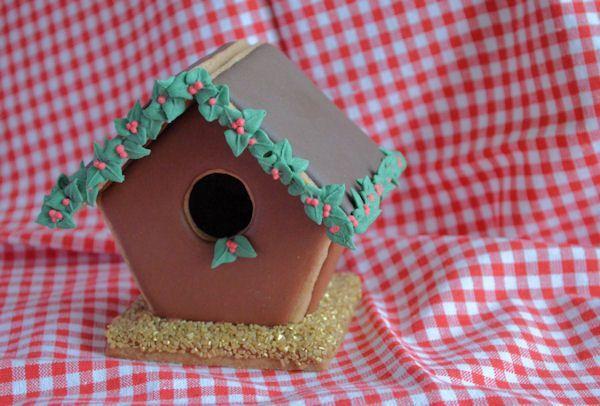 Advent 17: Gingerbread huisje met hulst