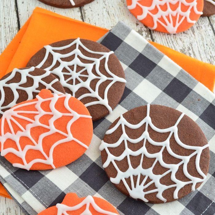 Snelle Halloween spinnenweb koekjes