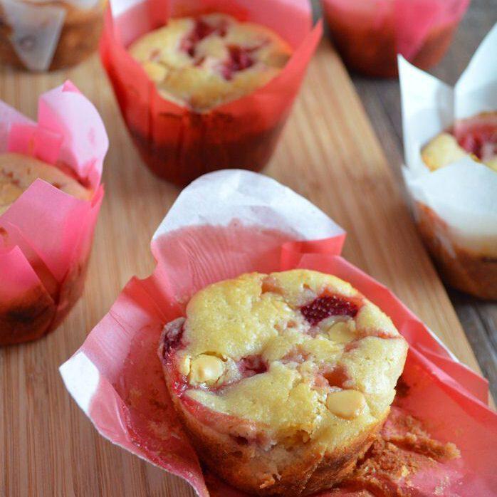 Aardbeien-witte chocolade muffins