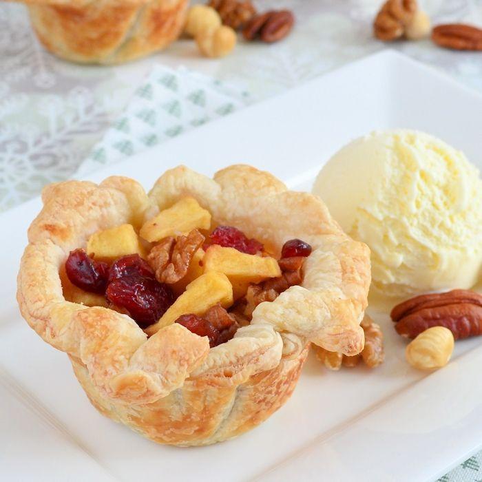 Appelgebakjes met cranberries en noten