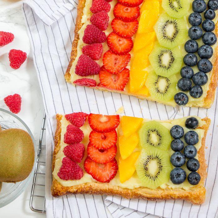 Bladerdeeg plaattaart met fruit