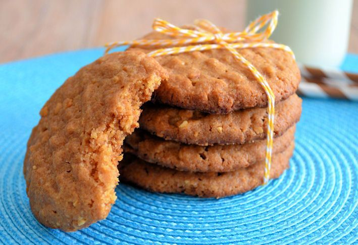 Chewy peanutbutter cookies