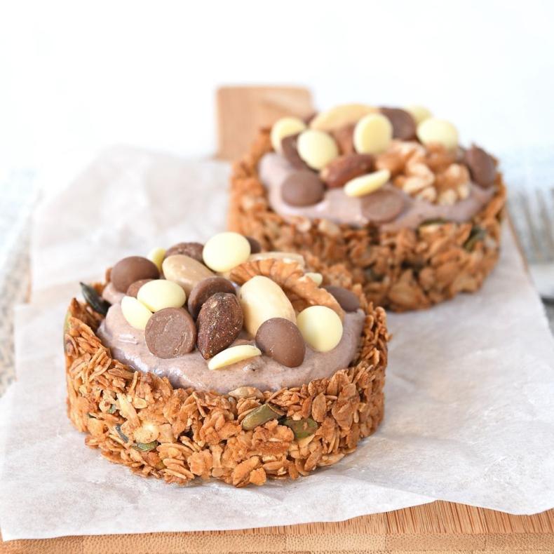 Chocolade-noten granola taartjes