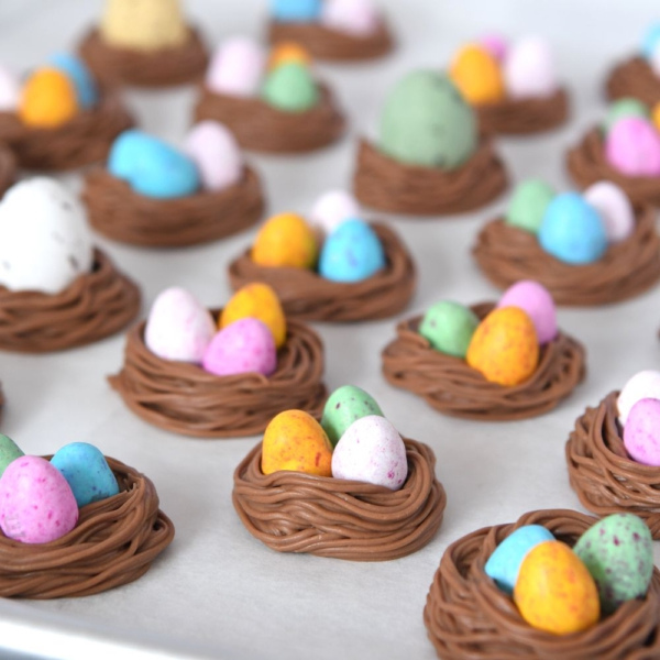 Chocolade paasei nestjes