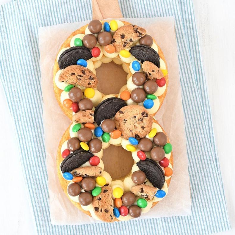 Laura's Bakery 8 jaar - cijfertaart