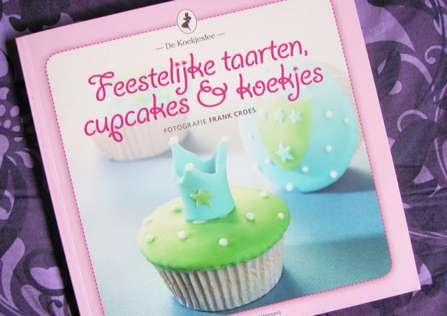 Review: Feestelijke taarten, cupcakes & koekjes