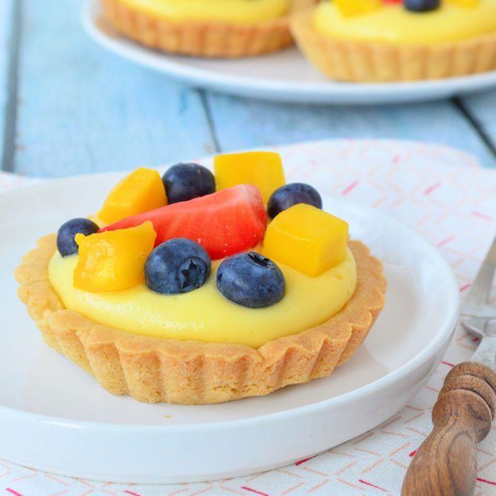 Fruit tartelettes met banketbakkersroom