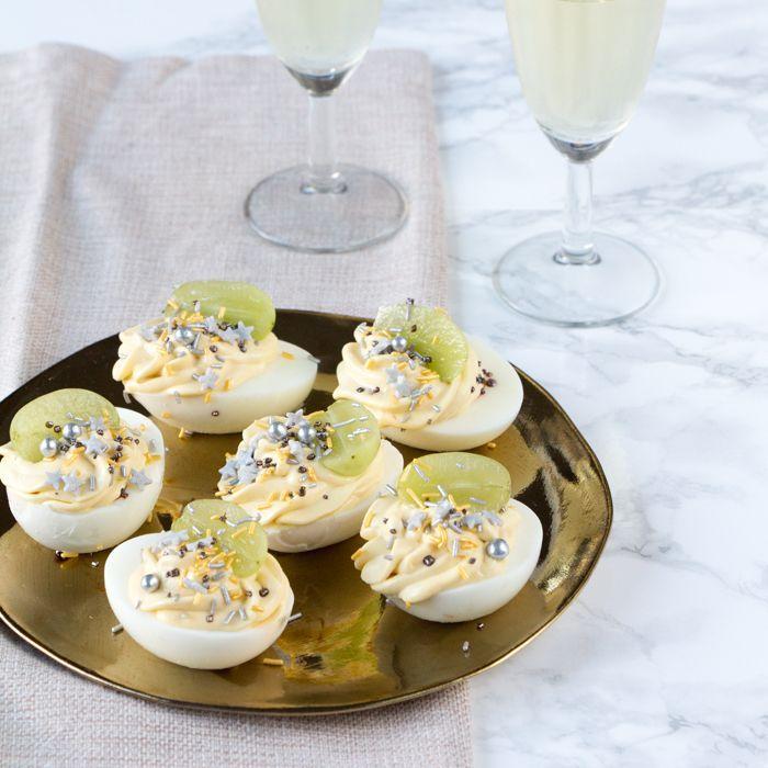 Gevulde eitjes met champagne en glitter