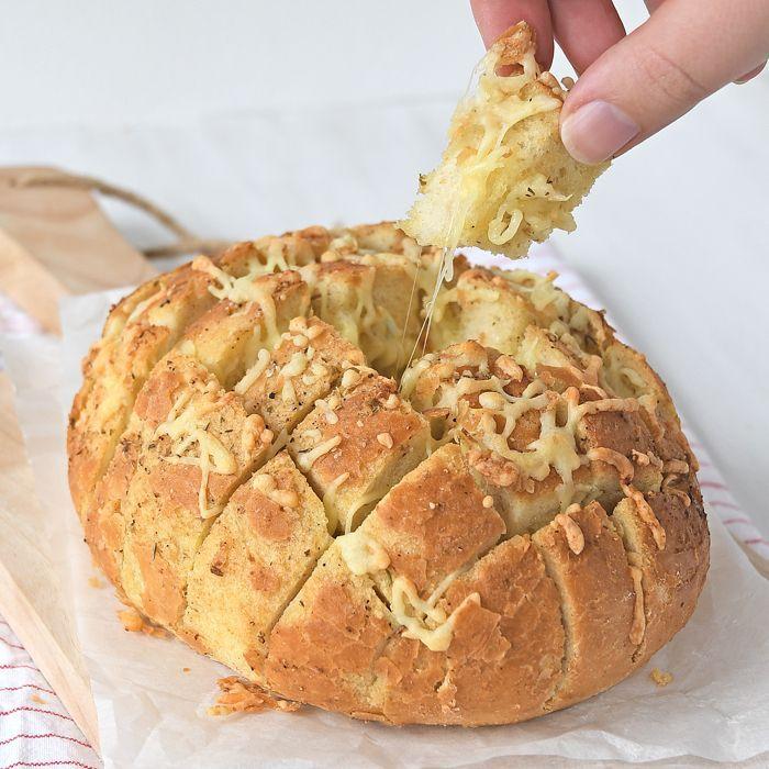 Kaas-knoflook borrelbrood