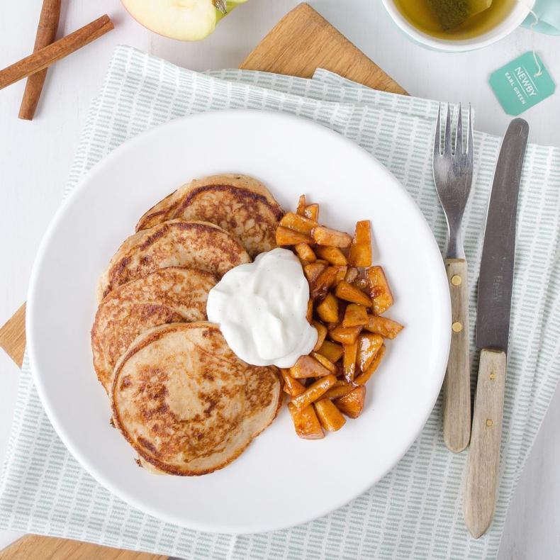 Kwark pancakes met appel en kaneel