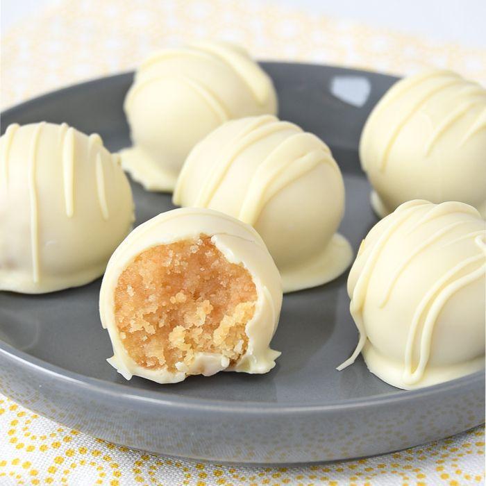 Lemon curd cake truffels