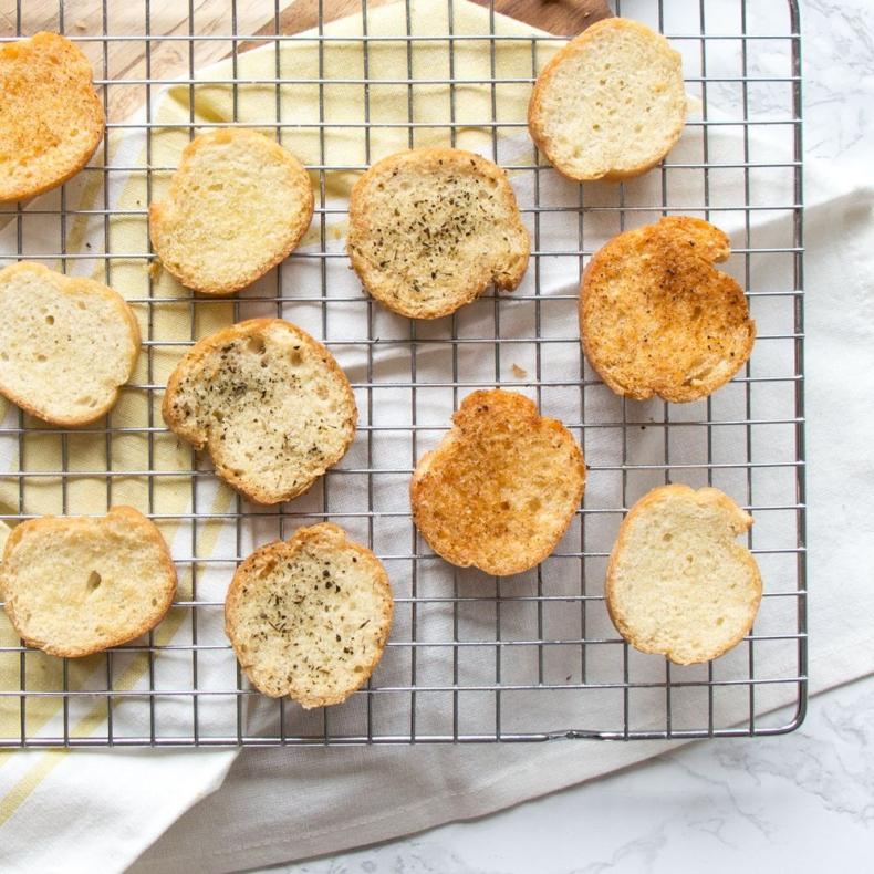 Zelf knapperige toastjes maken