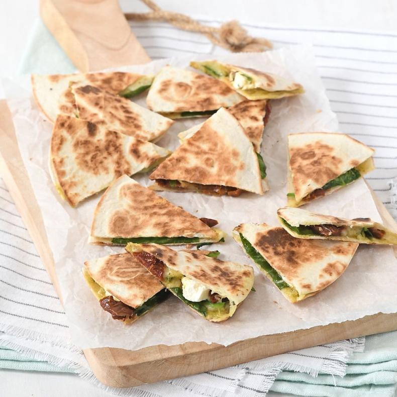 mini quesadilla's met spinazie
