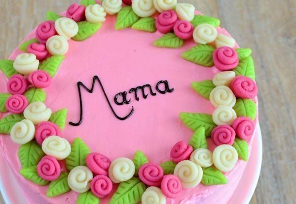 Moederdag taart met marsepeinen rozen