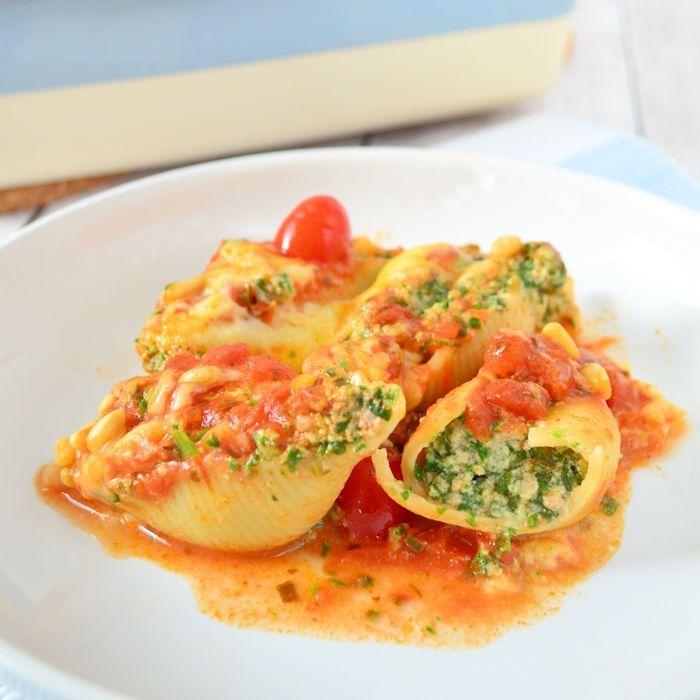 Pastaschelpen met spinazie en ricotta