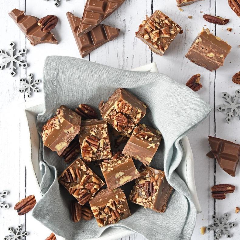 Pecan-karamel chocoladefudge