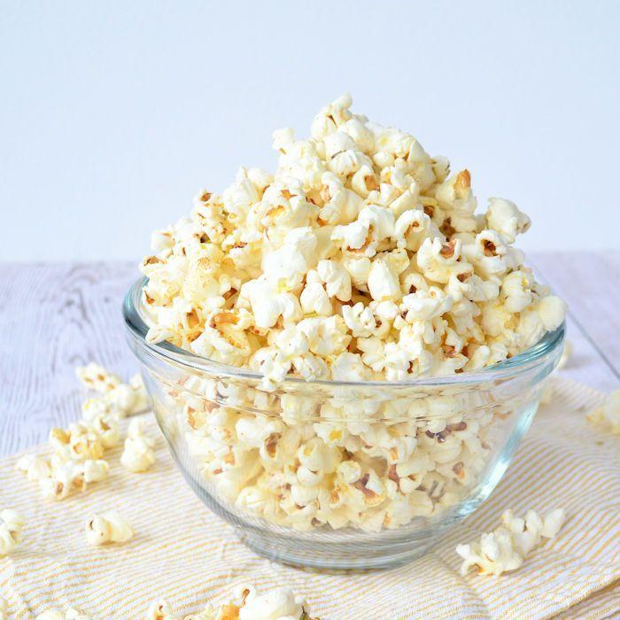 Popcorn met rozemarijn en zeezout