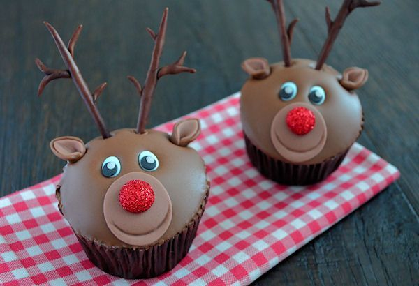 advent 4 rudolph het rendier cupcakes laura 39 s bakery. Black Bedroom Furniture Sets. Home Design Ideas