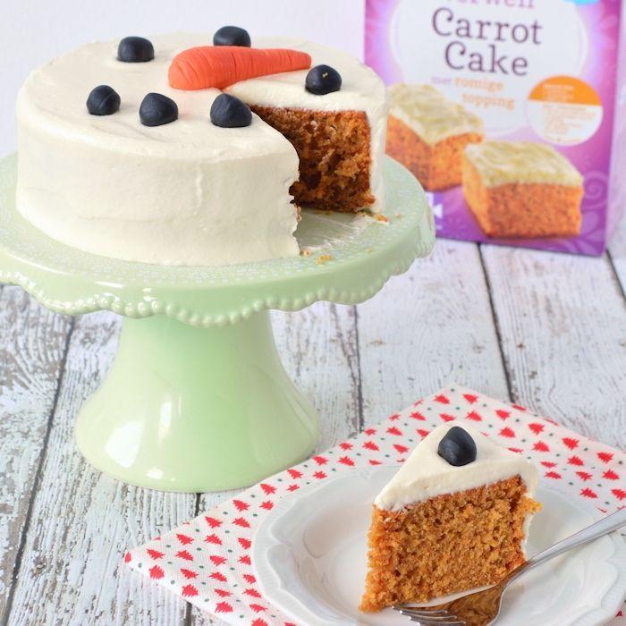Sneeuwman carrot cake