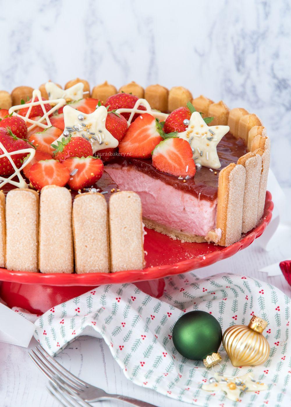 Charlotte taart met aardbeien