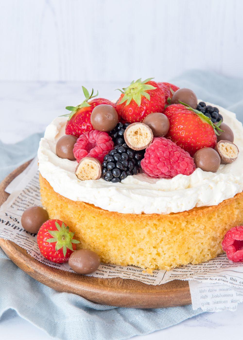 4 persoons taart met rood fruit