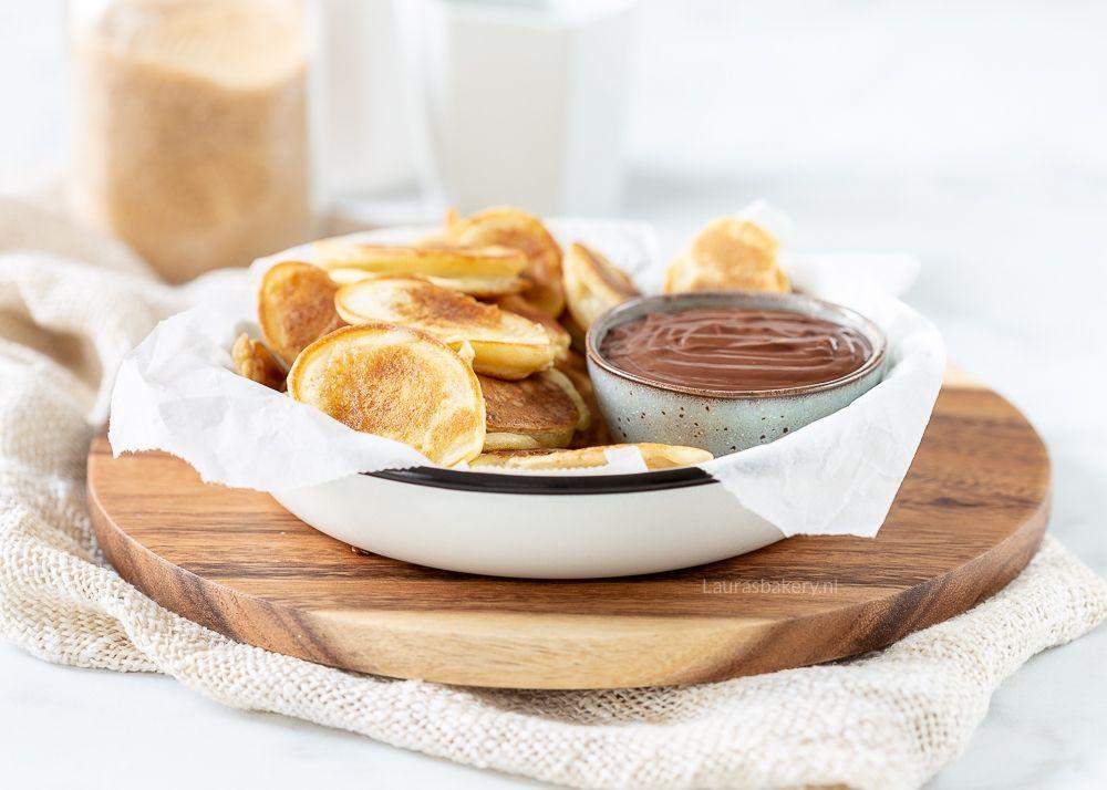 Banaan pannenkoekjes met chocoladedip