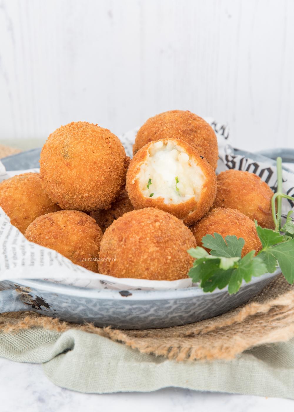 Risotto bitterballen met mozzarella – arancini