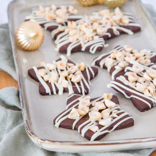 Chocolade sterrenkoekjes met hazelnoten