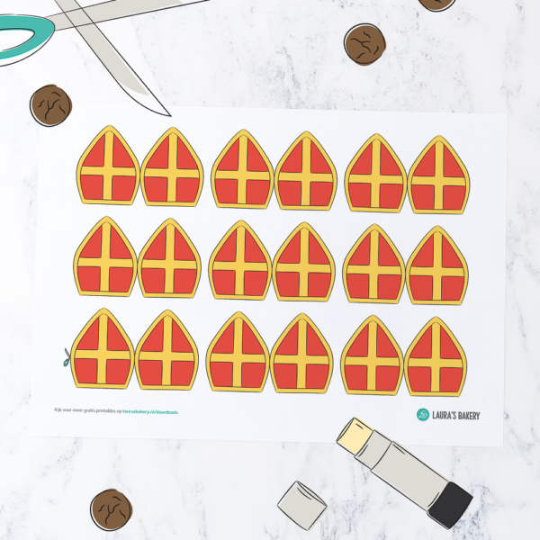 Printable: mijter cupcake toppers