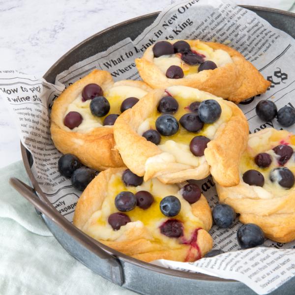 Blueberry-lemon roomkaasbroodjes
