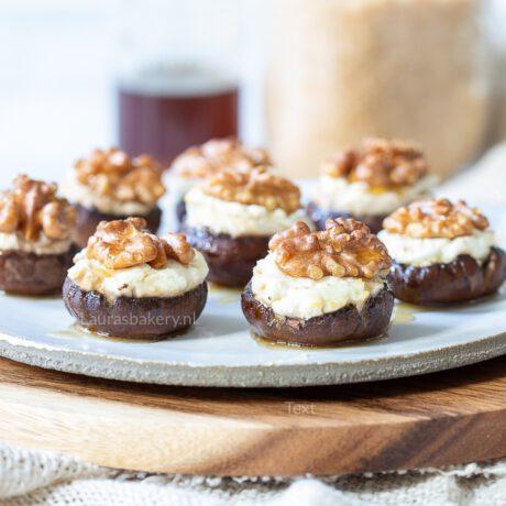 Vegetarische gevulde champignons met geitenkaas, walnoot en honing